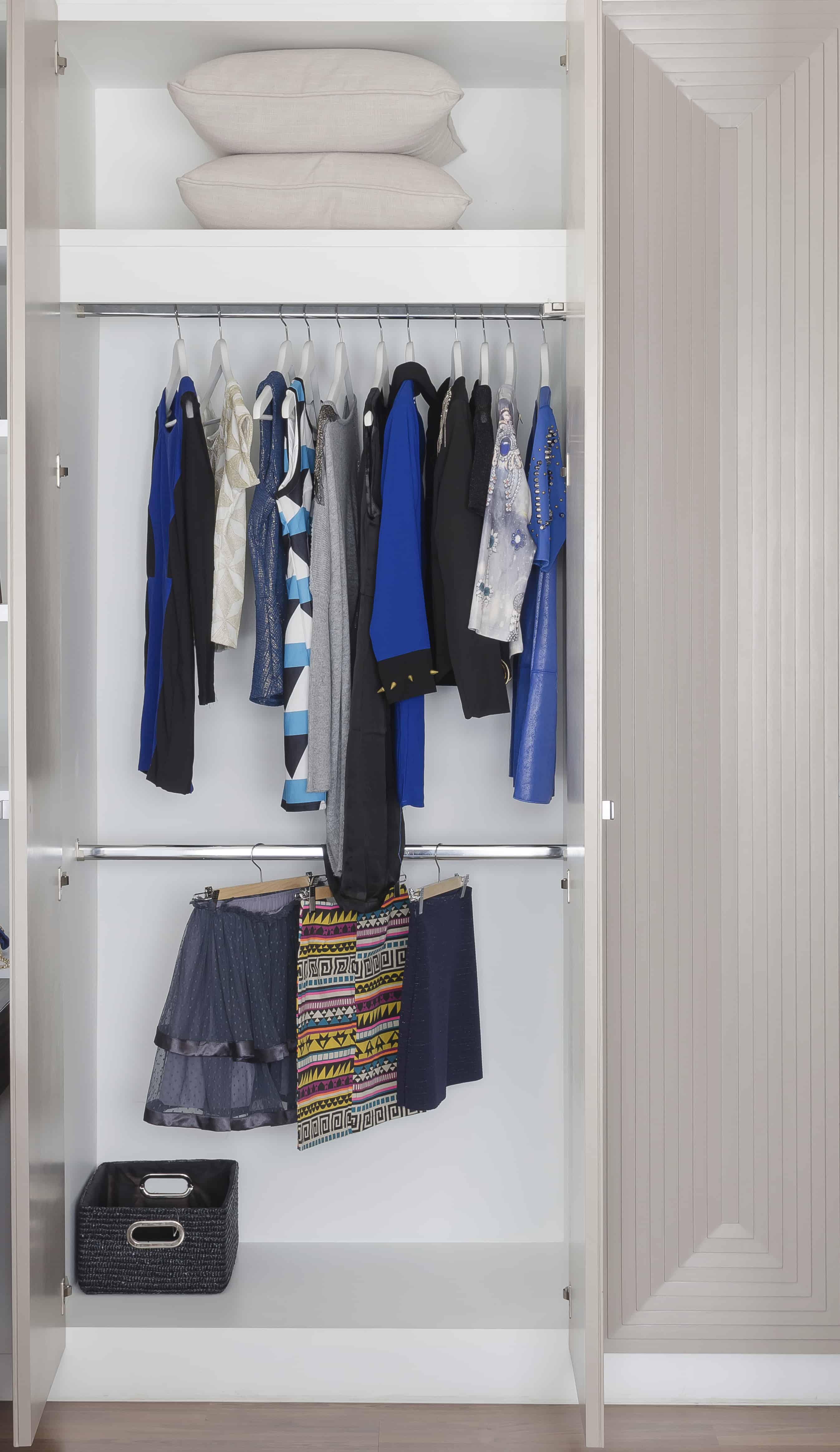 stock home flat illustration depositphotos design interior wardrobe vector open with clothes tidy